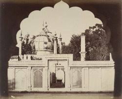 Tombs of the Kings of Delhi [Shah Alam's Tomb].